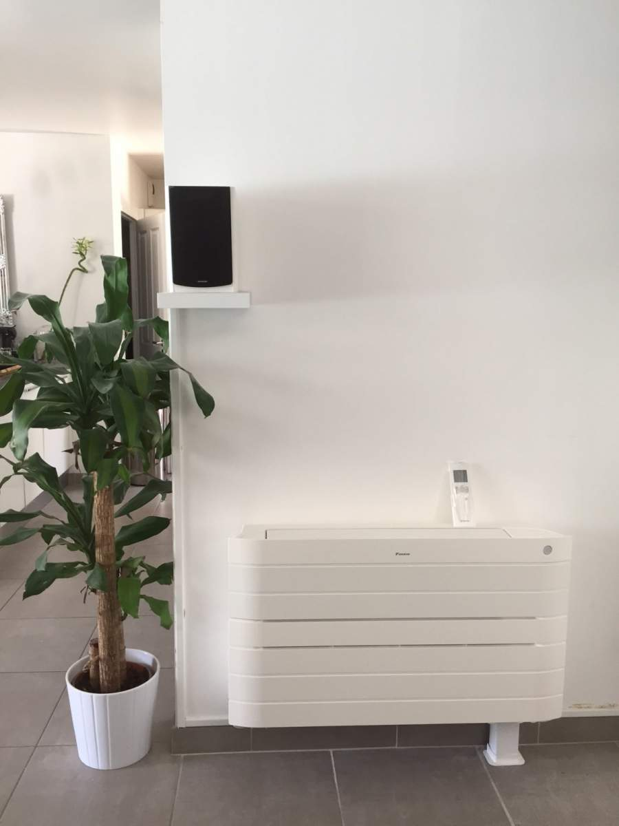 installation de climatisation r versible daikin marseille la valentine d pannage. Black Bedroom Furniture Sets. Home Design Ideas